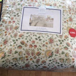King comforter 4 piece set North Main Lorien